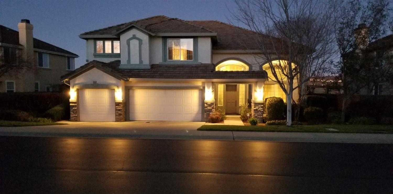 $719,950 - 4Br/3Ba -  for Sale in Serrano-edh 06, El Dorado Hills