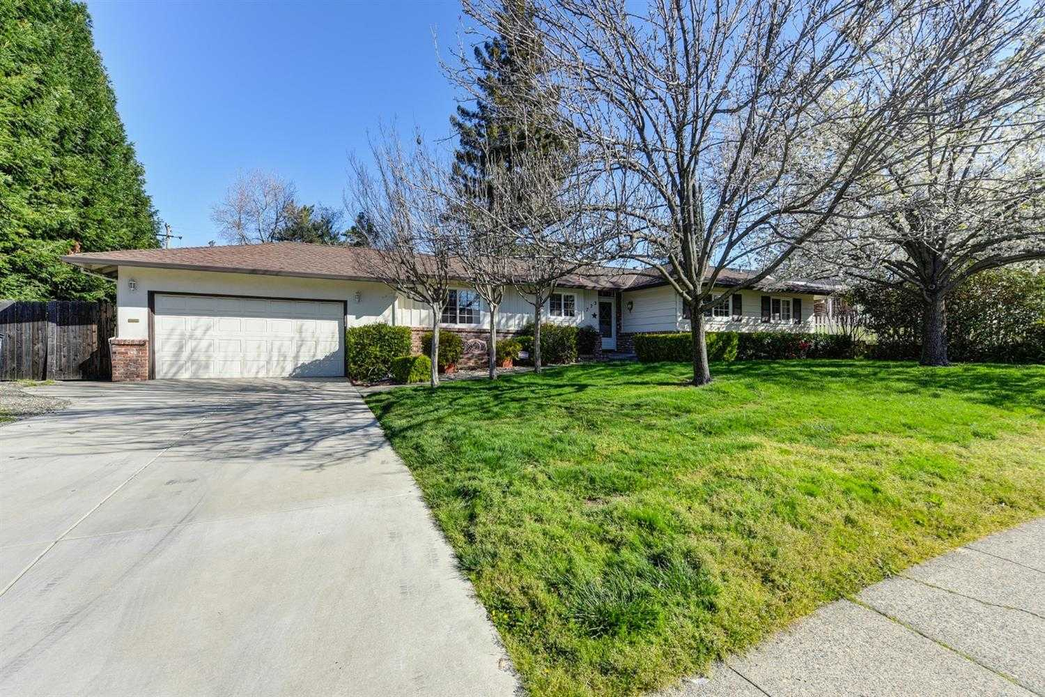 $400,000 - 4Br/2Ba -  for Sale in Citrus Heights