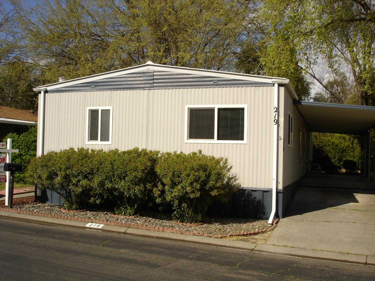 $175,000 - 3Br/2Ba -  for Sale in Davis