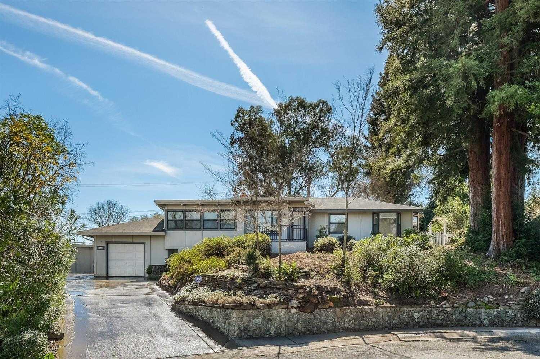 4537 Plantation Dr Fair Oaks, CA 95628