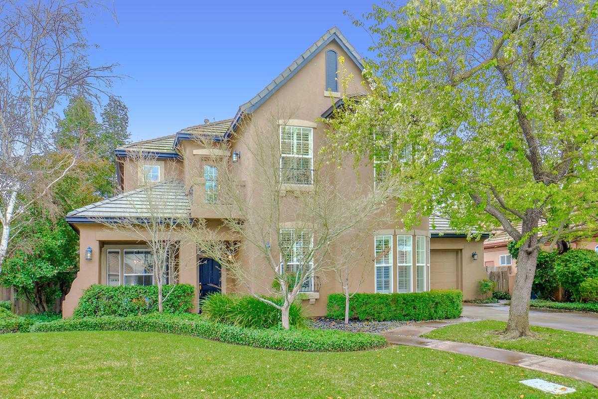 $1,195,000 - 5Br/3Ba -  for Sale in Lake Alhambra Estates, Davis