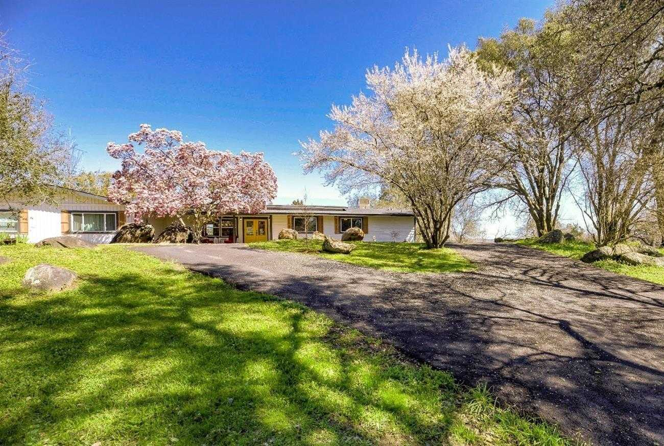 $700,000 - 3Br/3Ba -  for Sale in Loomis