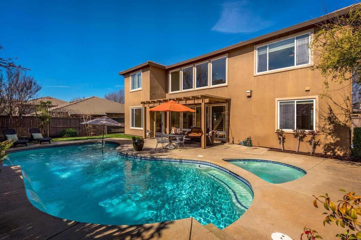$674,000 - 4Br/3Ba -  for Sale in Serrano, El Dorado Hills