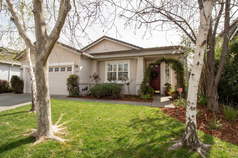 $780,000 - 3Br/2Ba -  for Sale in Wildhorse, Davis