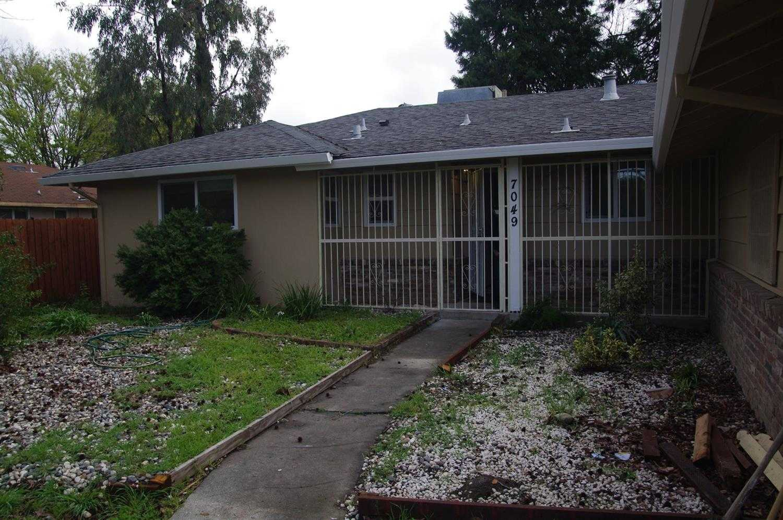 7049 21st St Sacramento, CA 95822