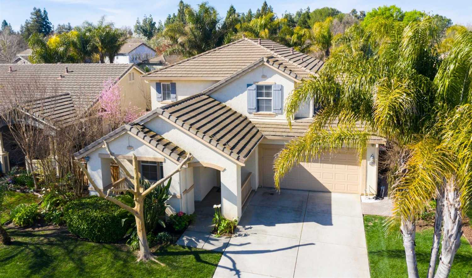 $875,000 - 4Br/3Ba -  for Sale in Davis