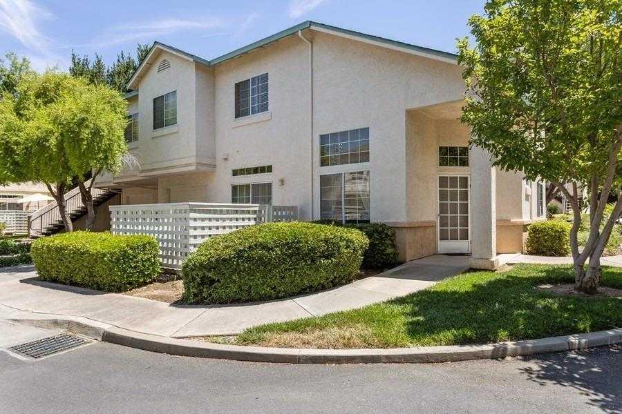 $425,000 - 3Br/3Ba -  for Sale in Southfield Park, Davis