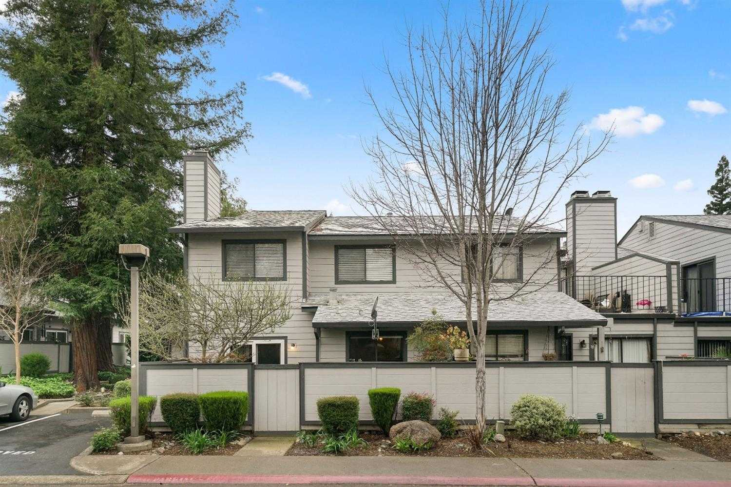 $299,995 - 4Br/3Ba -  for Sale in Citrus Heights