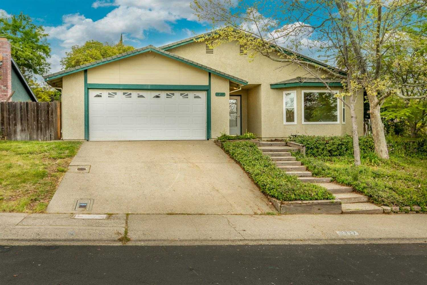 2227 Pinnacles Dr Rocklin, CA 95677