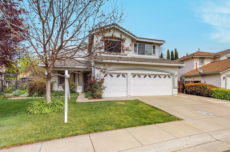 $739,000 - 4Br/3Ba -  for Sale in Davis