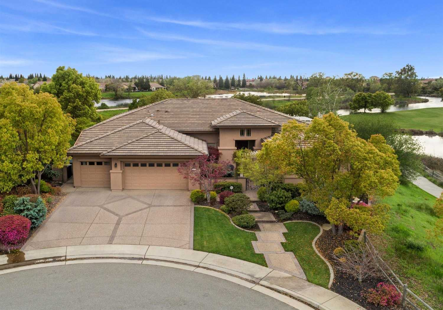 $1,400,000 - 2Br/3Ba -  for Sale in Sun Coty Lincoln Hills, Lincoln