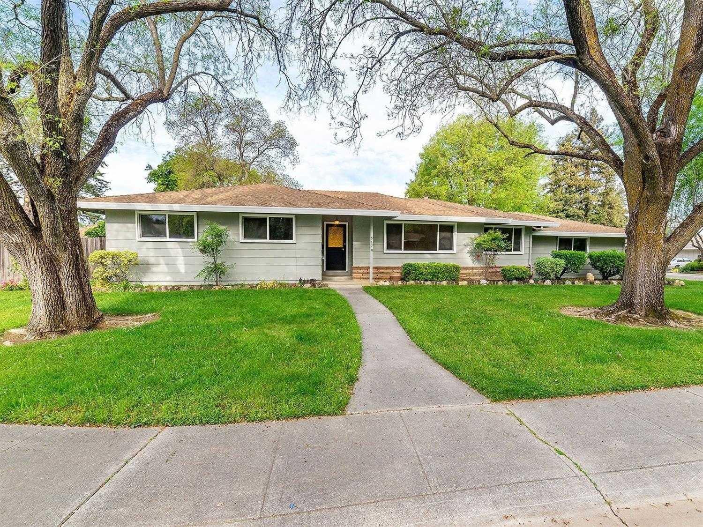 $760,000 - 3Br/3Ba -  for Sale in Westwood 01, Davis