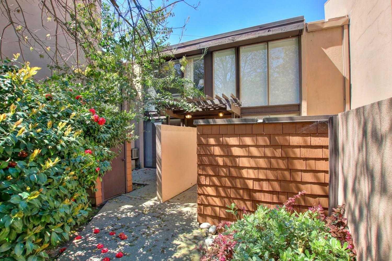 2294 Woodside Ln Unit 9 Sacramento, CA 95825