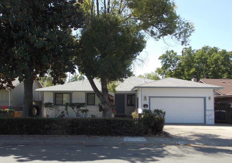 5121 Papaya Dr Fair Oaks, CA 95628
