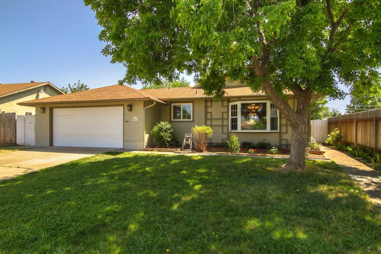 $300,000 - 3Br/2Ba -  for Sale in Sacramento