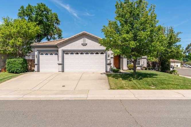 $475,000 - 3Br/2Ba -  for Sale in Lincoln