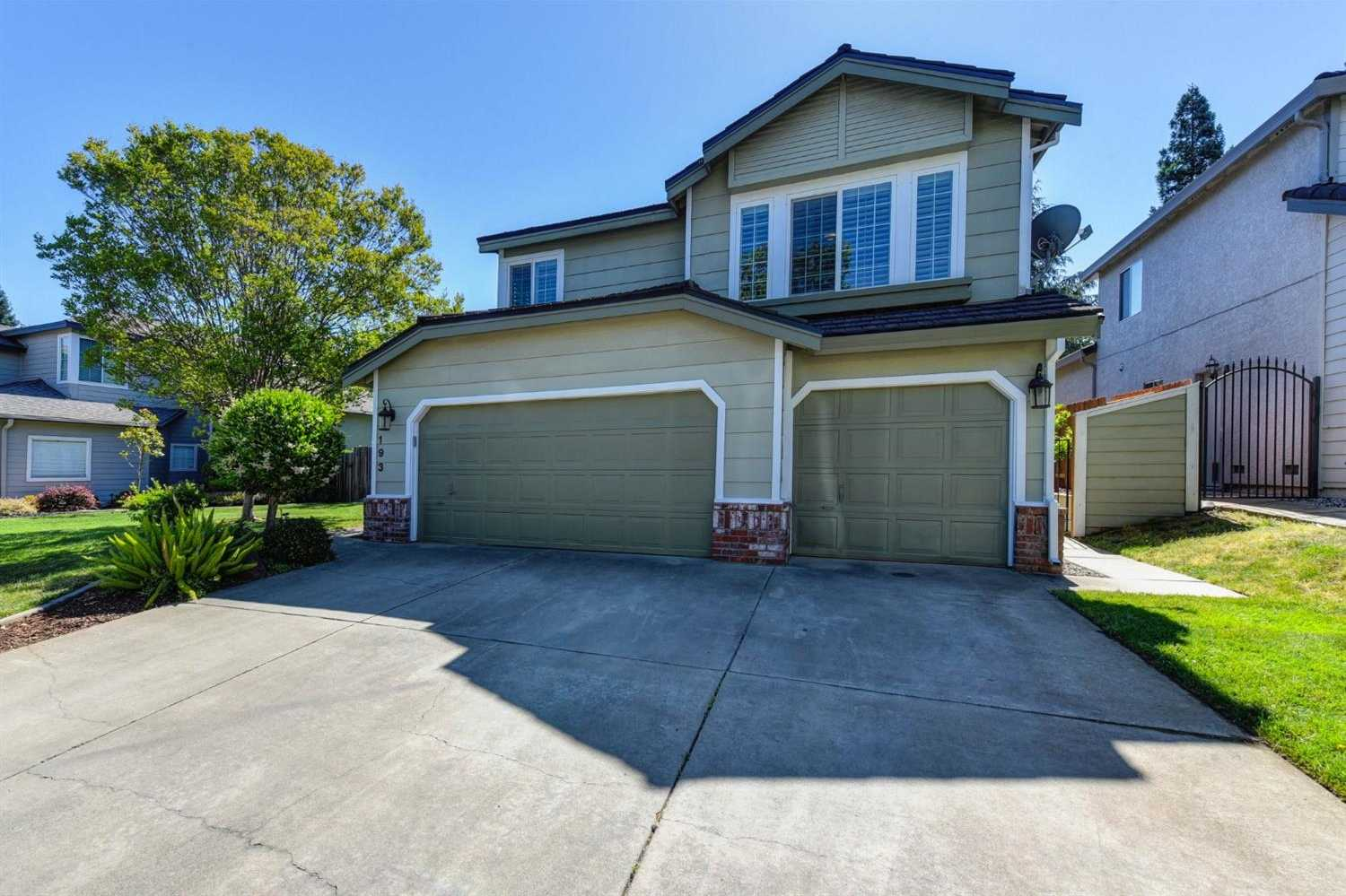 $679,000 - 5Br/3Ba -  for Sale in Folsom