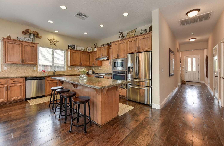 $625,000 - 4Br/3Ba -  for Sale in The Reserve, Roseville