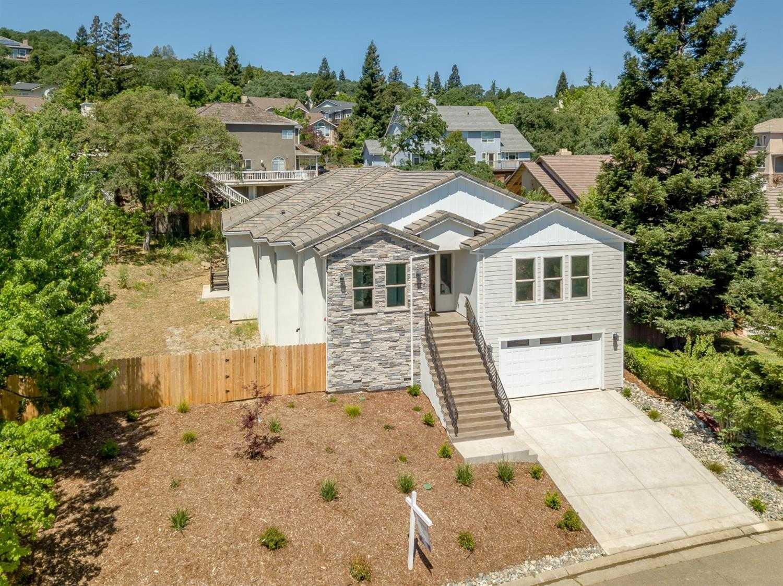 $779,900 - 4Br/4Ba -  for Sale in El Dorado Hills