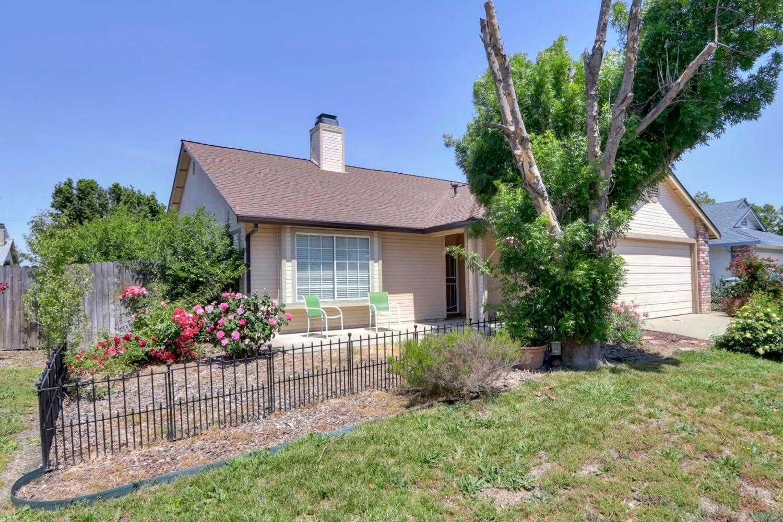 8227 Aden Way Sacramento, CA 95828