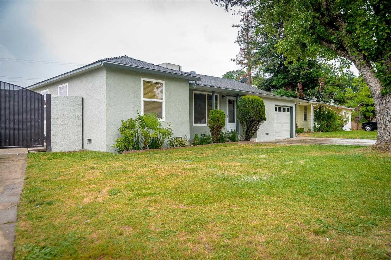 $300,000 - 5Br/1Ba -  for Sale in Sacramento