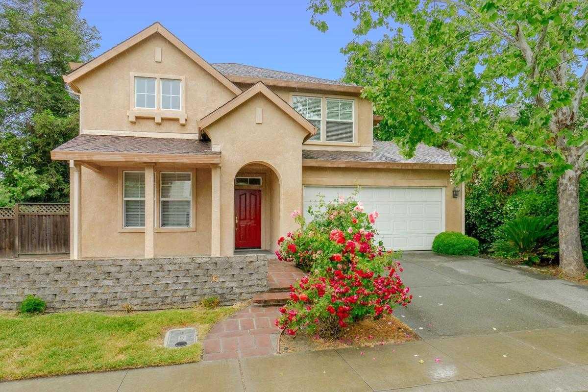 $879,000 - 5Br/3Ba -  for Sale in Davis