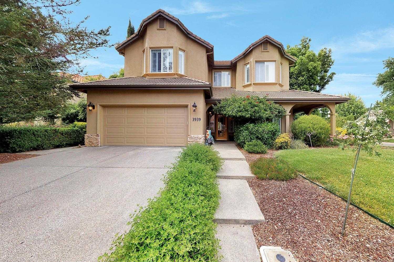 $1,125,000 - 4Br/3Ba -  for Sale in Davis