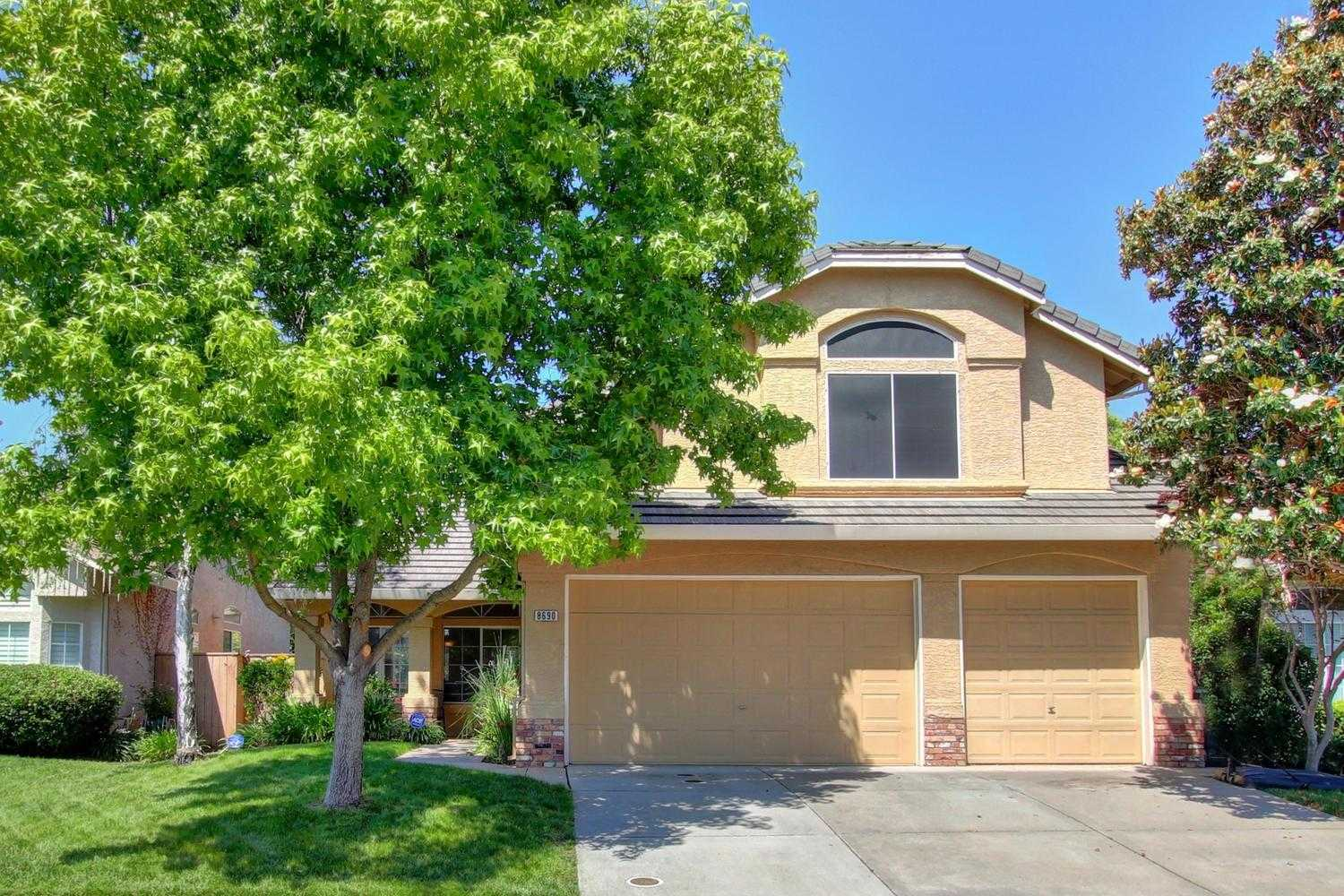 8690 White Peacock Way Elk Grove, CA 95624