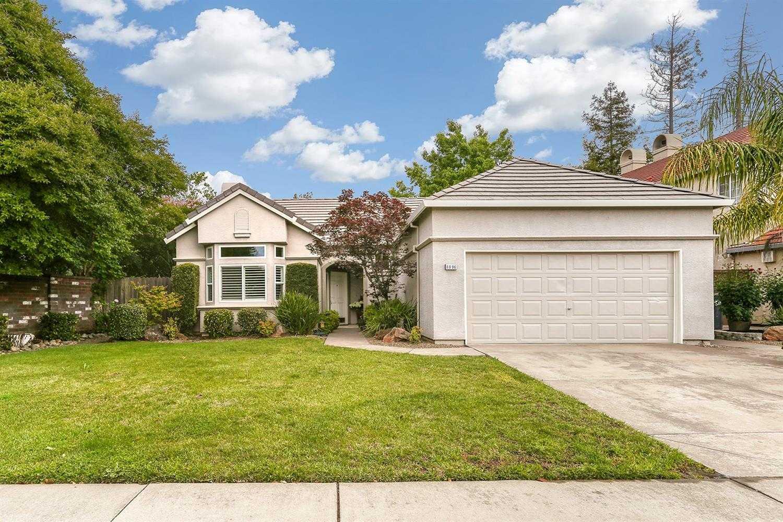 8896 Mossburn Way Elk Grove, CA 95758