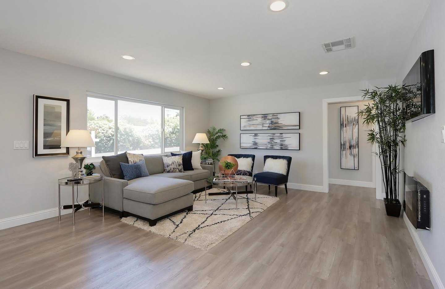 $450,000 - 3Br/2Ba -  for Sale in Folsom