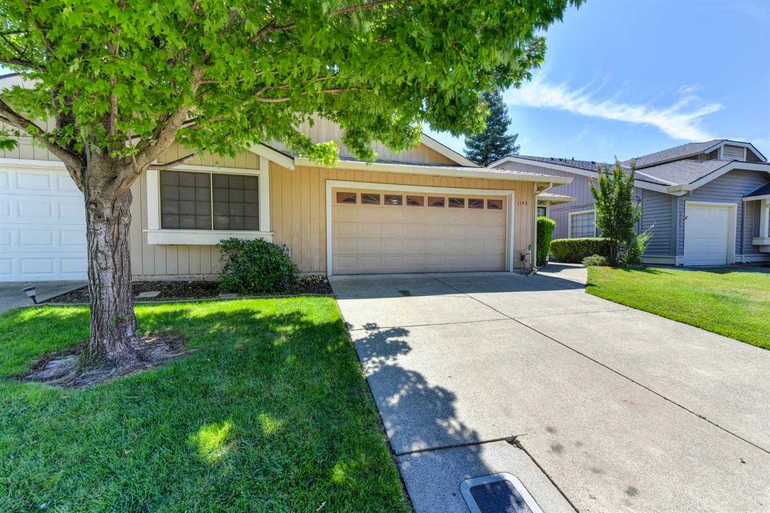1143 Meadow Gate Dr Roseville, CA 95661