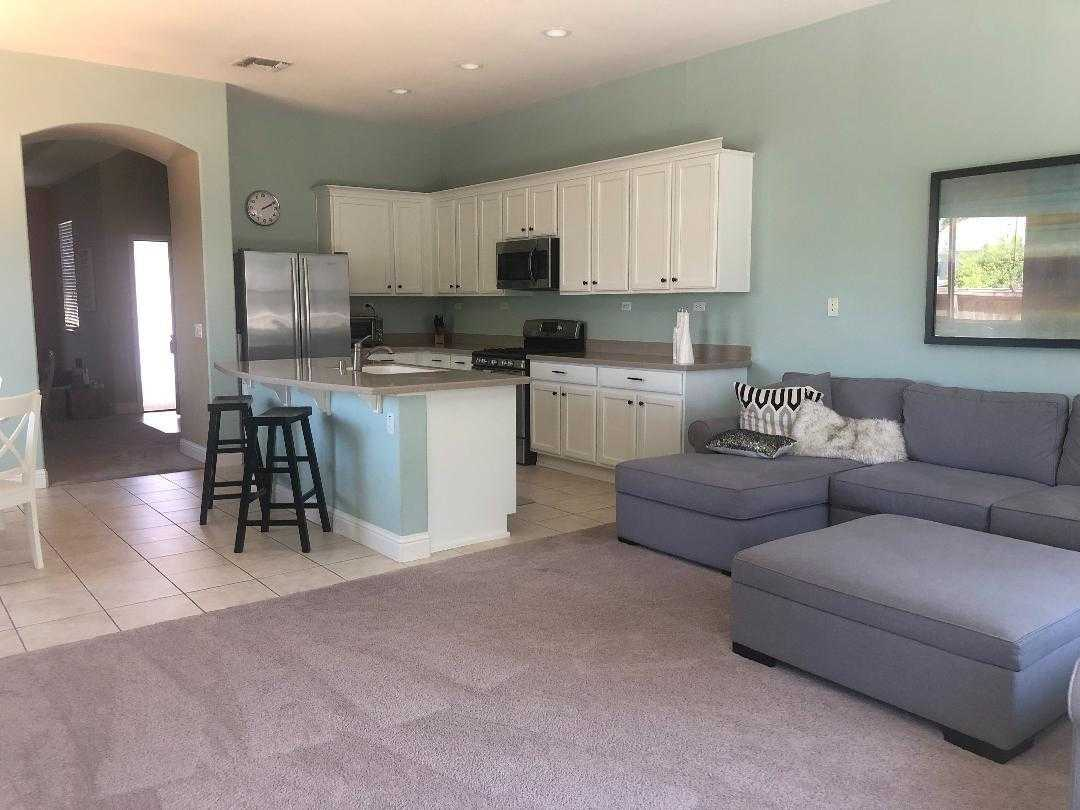 $440,000 - 4Br/2Ba -  for Sale in Elk Grove