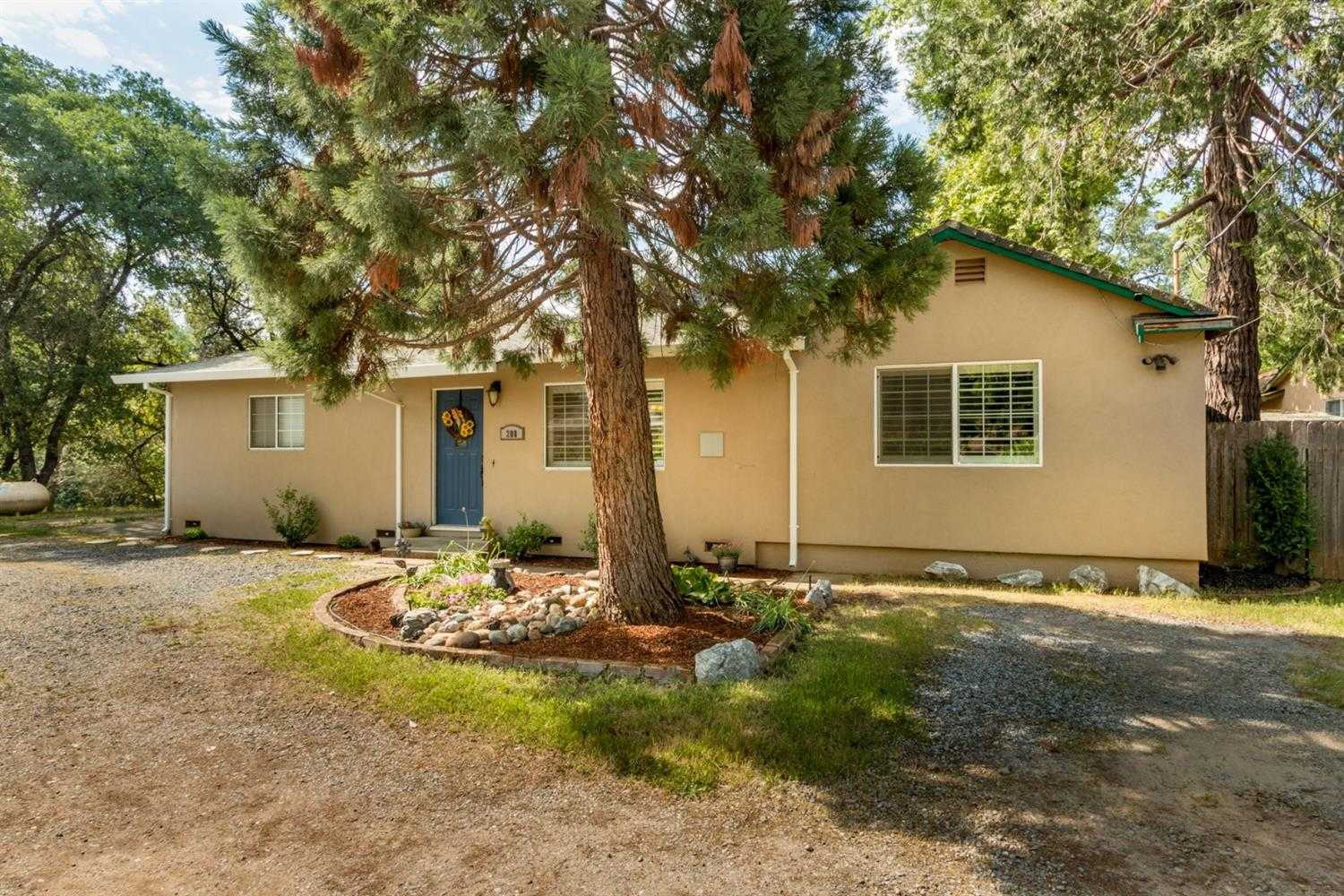 208 Amber Ln Placerville, CA 95667