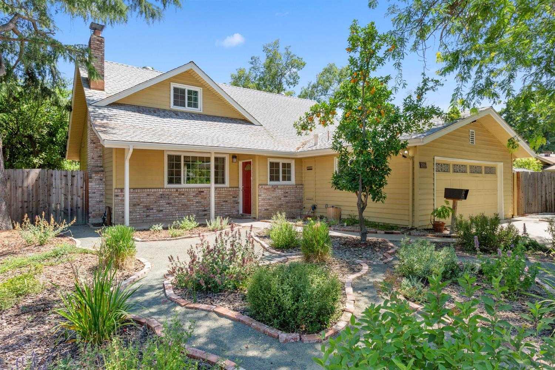 $649,000 - 4Br/2Ba -  for Sale in Davis Manor 17, Davis