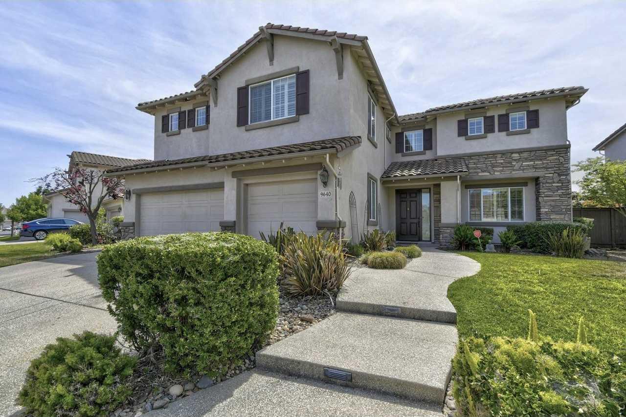$699,900 - 6Br/3Ba -  for Sale in Elk Grove Greens, Elk Grove