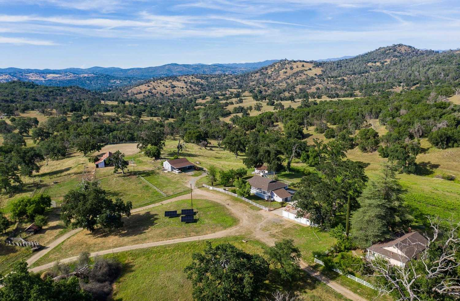 $3,285,000 - 3Br/2Ba -  for Sale in Mariposa