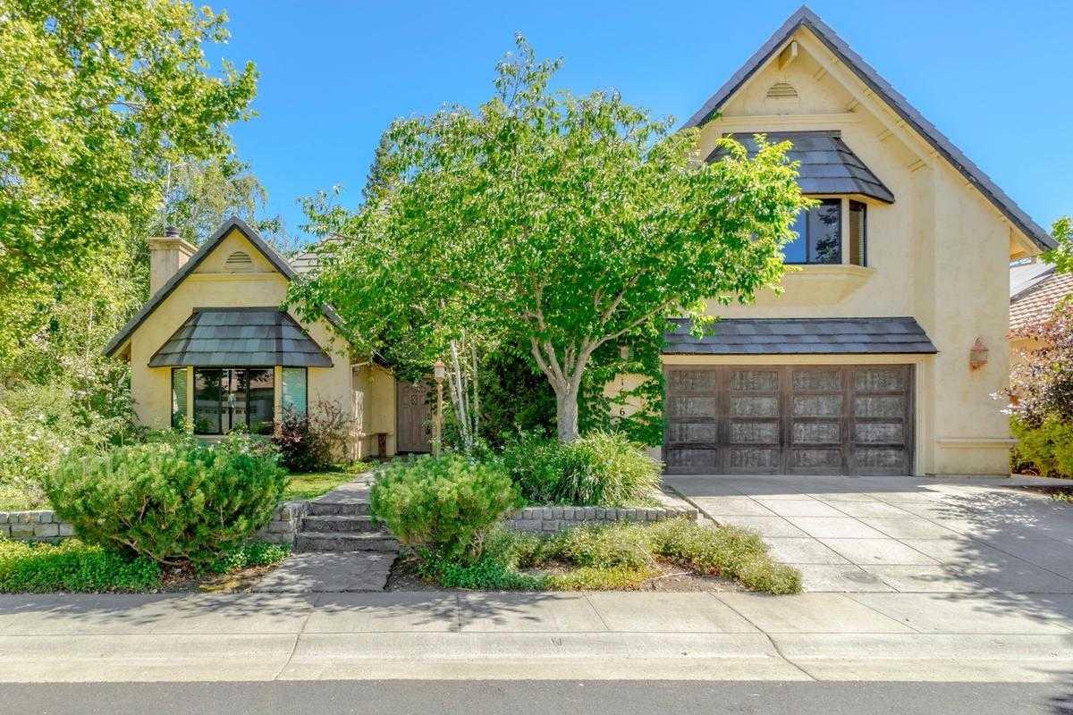 $999,000 - 4Br/3Ba -  for Sale in Davis