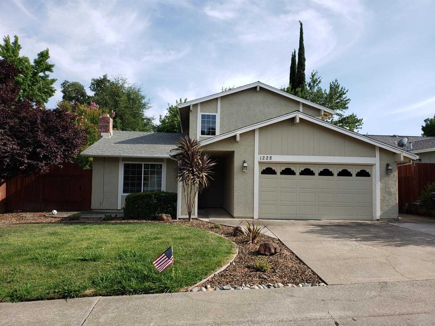 $419,990 - 3Br/2Ba -  for Sale in Roseville