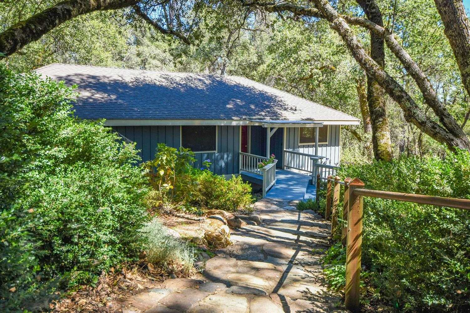 $549,000 - 4Br/2Ba -  for Sale in Placerville