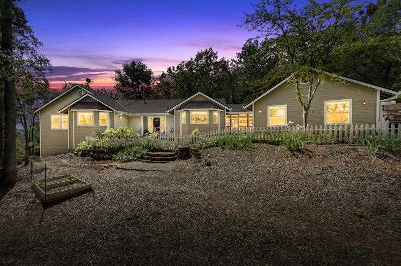 15932 Wolf Meadows Dr Grass Valley, CA 95949