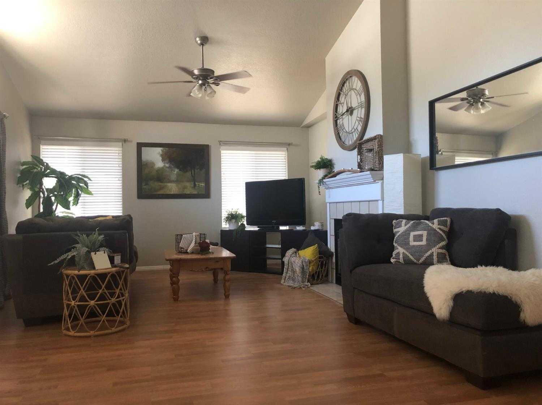 $325,000 - 3Br/2Ba -  for Sale in Sacramento