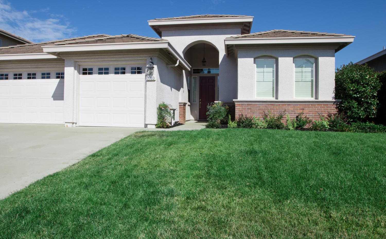 2303 Petruchio Way Roseville, CA 95661