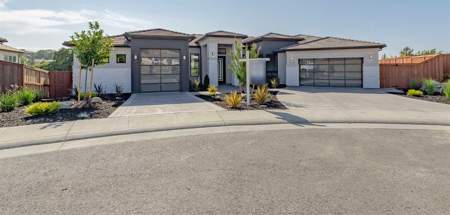 $1,079,000 - 5Br/4Ba -  for Sale in Folsom