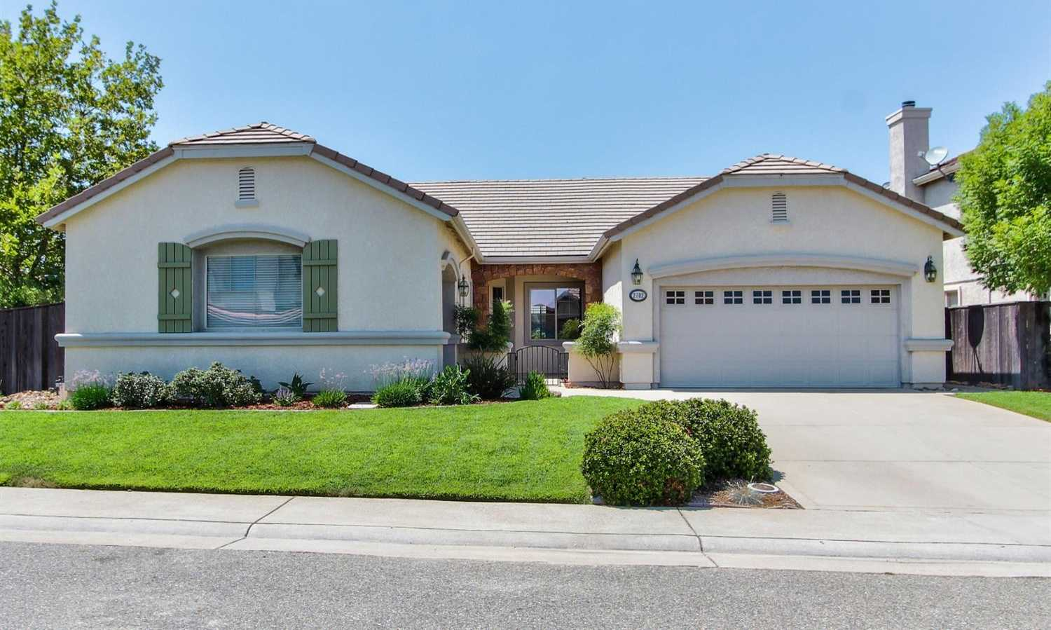 $535,000 - 4Br/2Ba -  for Sale in Lincoln