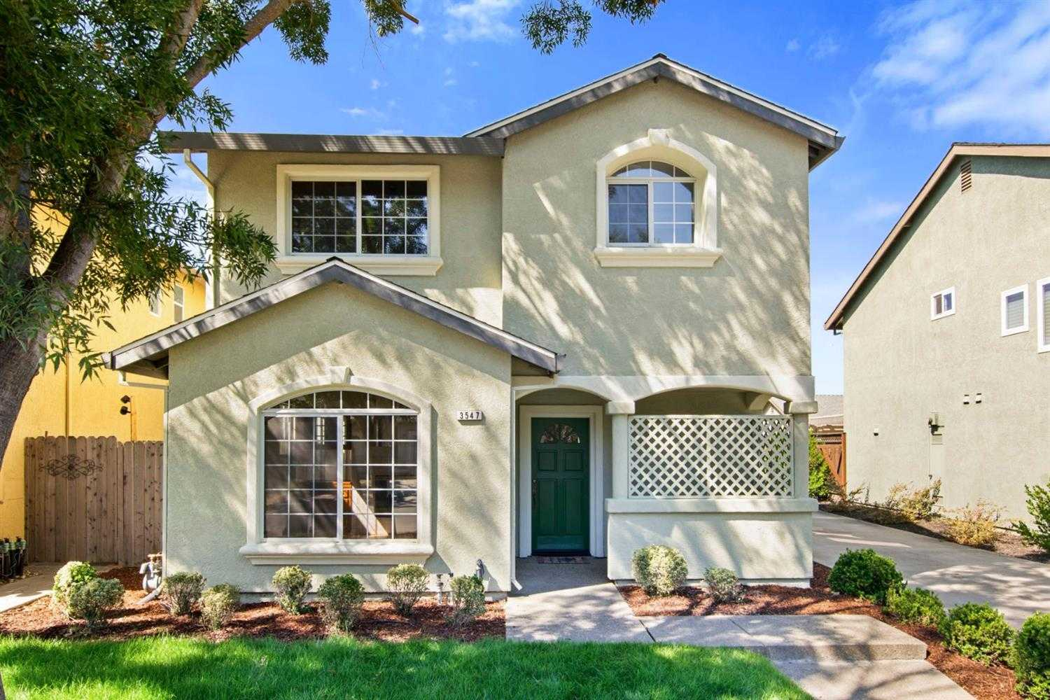 $685,000 - 3Br/3Ba -  for Sale in Davis