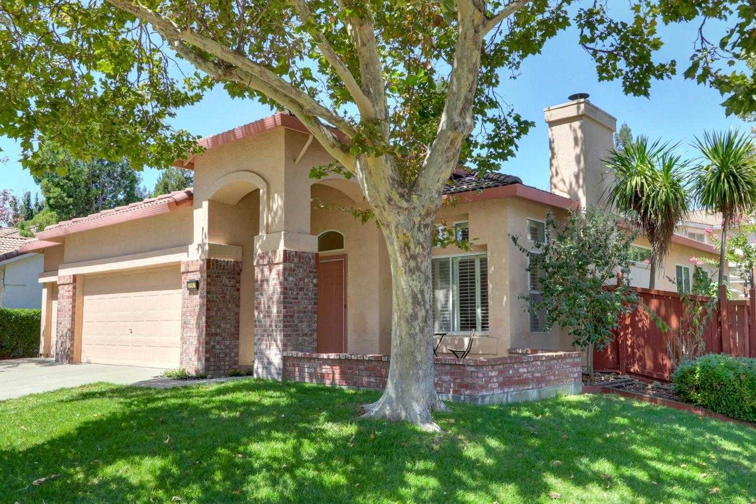 $649,000 - 3Br/2Ba -  for Sale in Mace Ranch, Davis