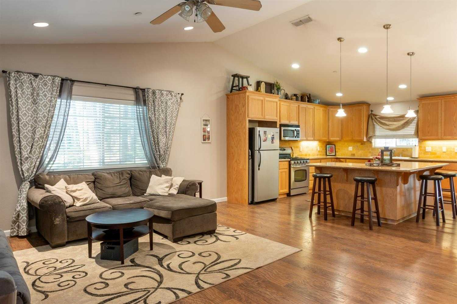 $350,000 - 3Br/2Ba -  for Sale in Pollock Pines