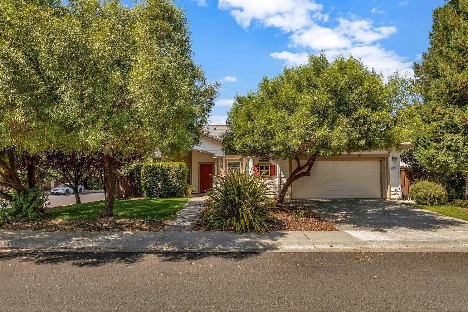 $775,000 - 3Br/2Ba -  for Sale in Davis