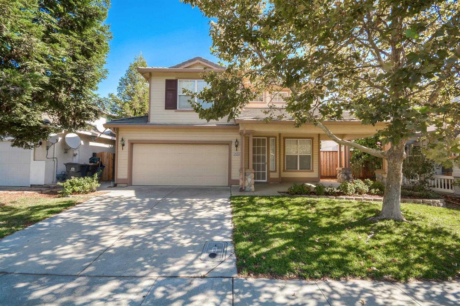 $790,000 - 5Br/3Ba -  for Sale in Davis