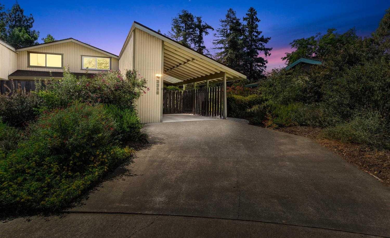 $555,000 - 3Br/2Ba -  for Sale in Stonegate, Davis